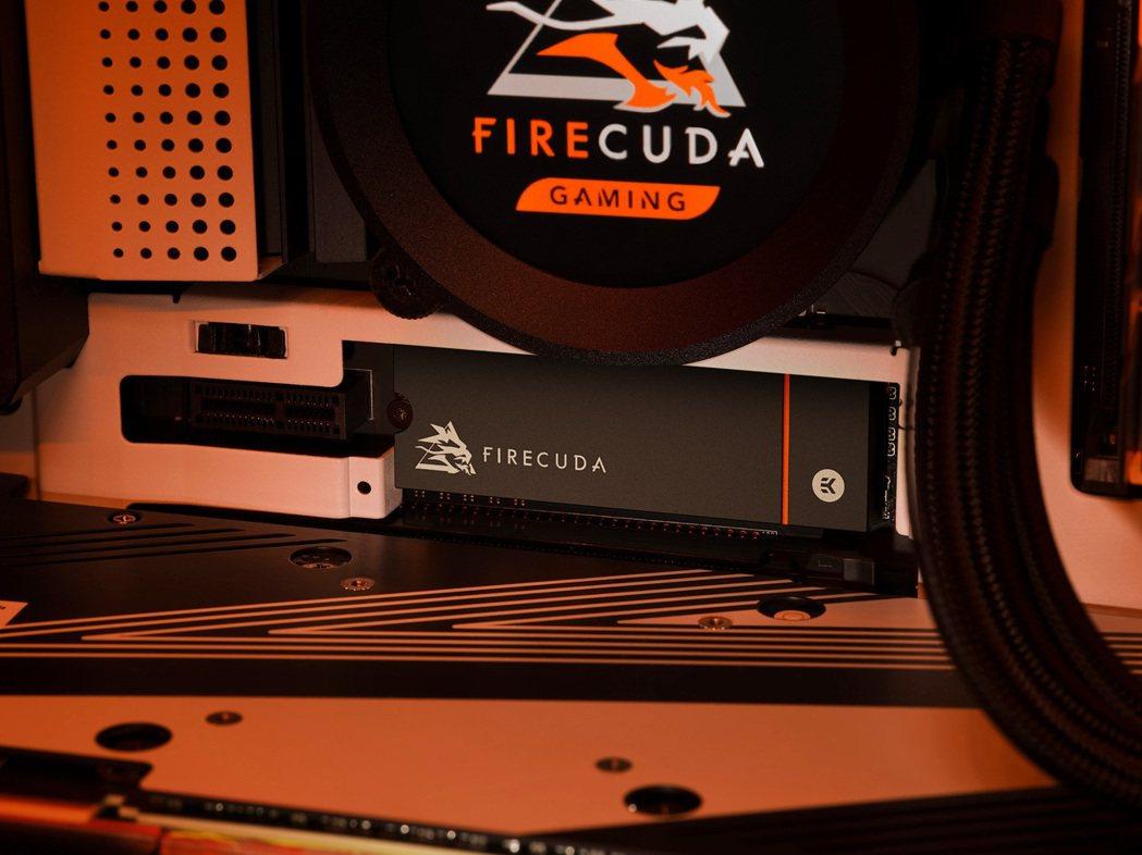 看好玩家需求,希捷推出FireCuda 530 SSD散熱器版2TB。圖/希捷提...