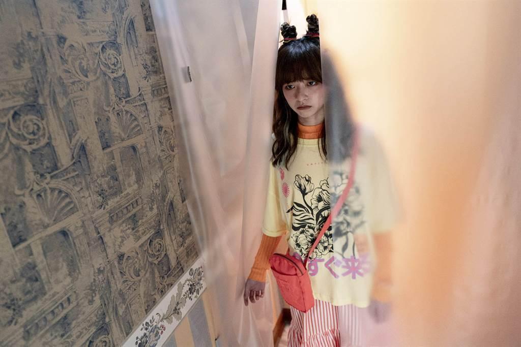 陳姸霏「我在隔離中」在家中隔離,被當活體病毒,無法和家人接觸。圖/高雄電影節提供