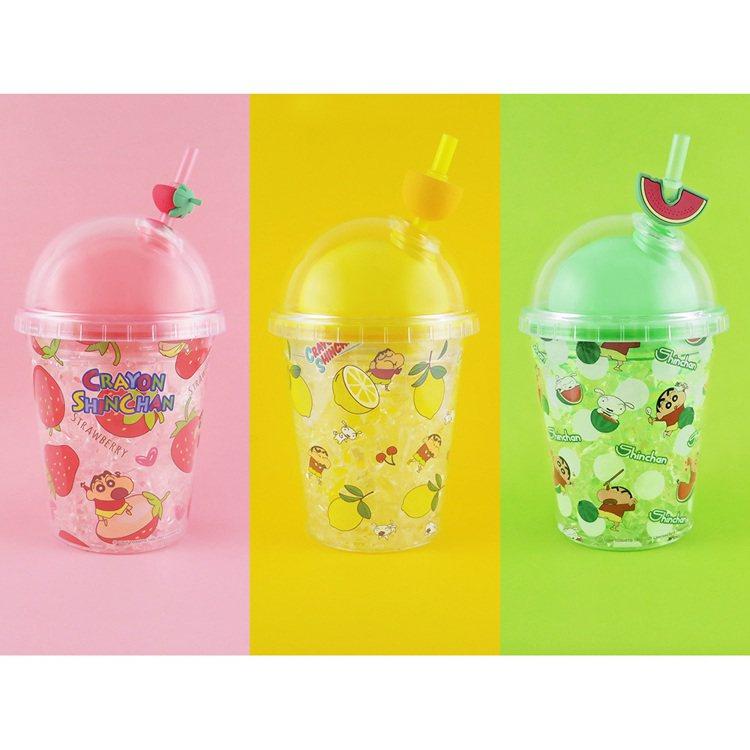 9月22日上午11點起於ibon搶先限量預購的「蠟筆小新冷飲杯」,每款售價350...