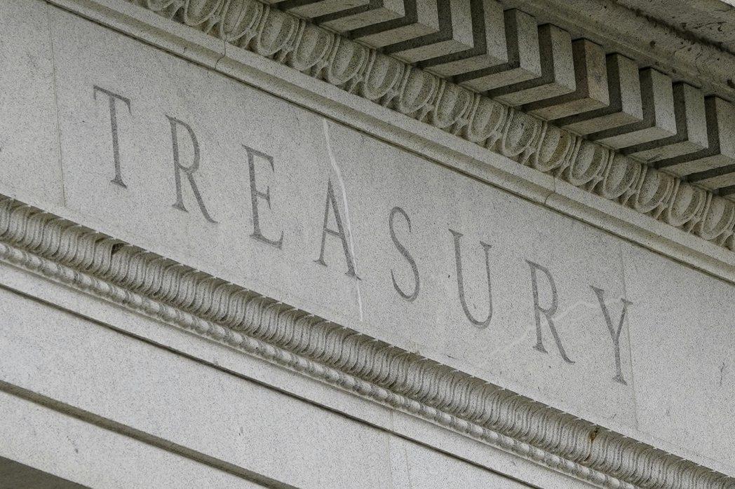知情人士透露,美國財政部官員準備提出建議,加強對穩定幣的監管力道,此舉可能影響當...