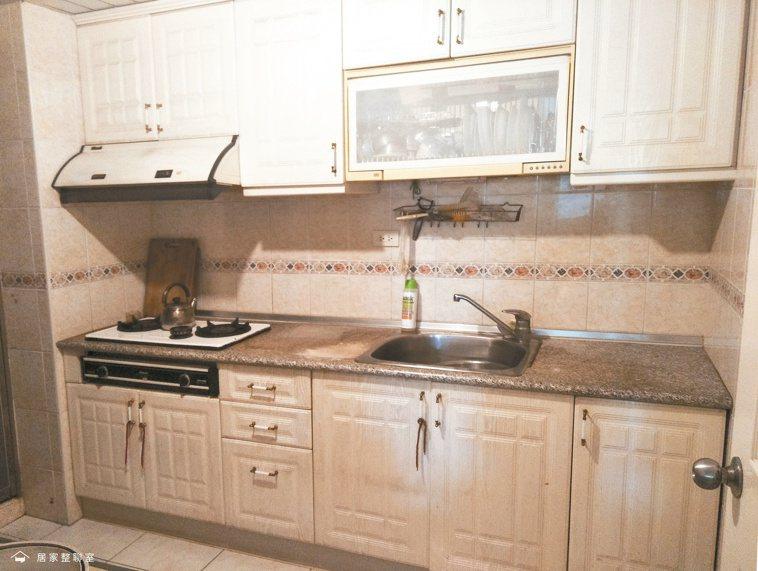 斷捨離廚房不需要的物品,也能找到長久的內心問題。圖/居家整聊室提供