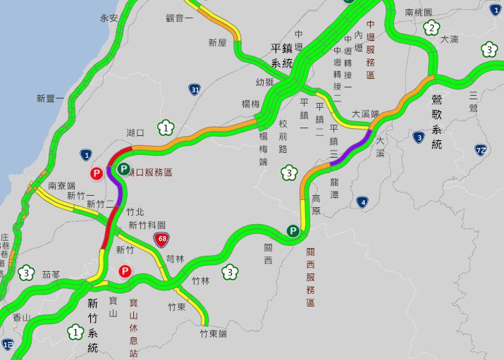 上午8時許國道路況,出現紫爆路段。圖/取自高公局網站
