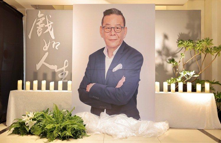 龍劭華靈堂1樓今開放粉絲弔唁。記者李政龍/攝影
