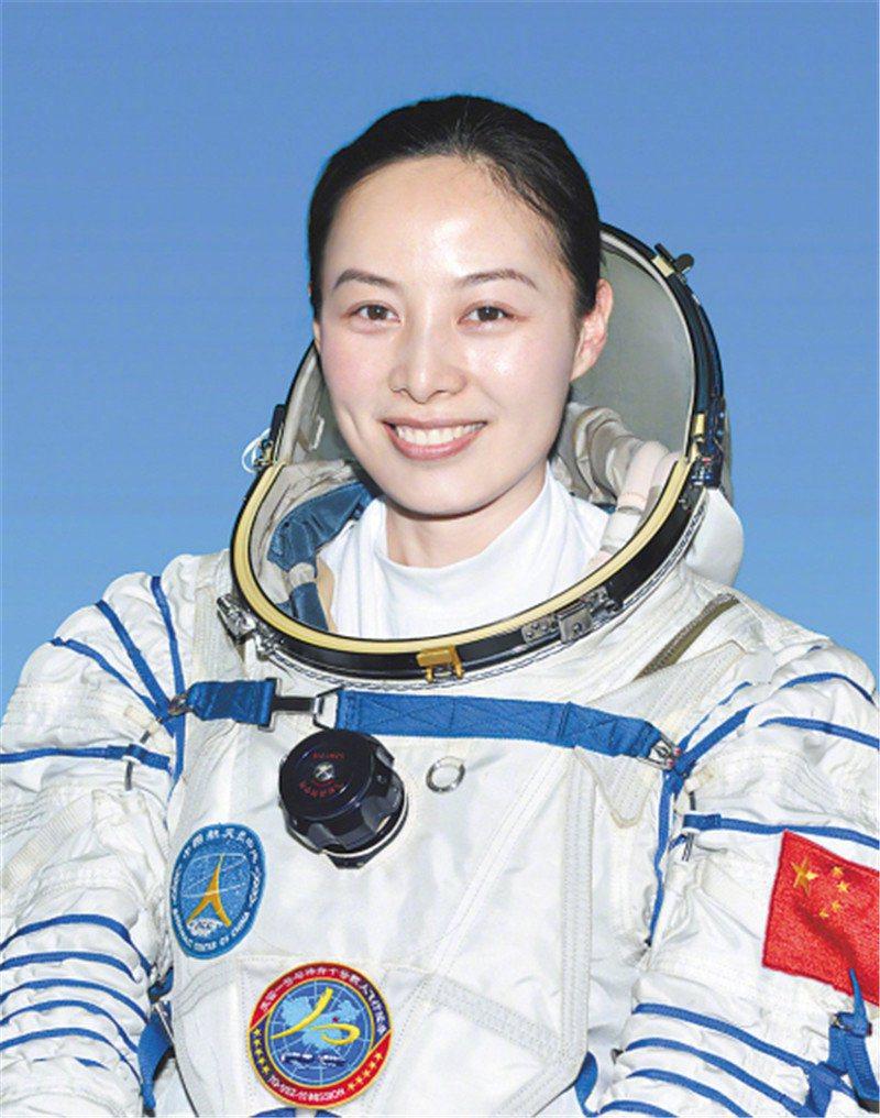 大陸美女太空人王亞平擬於10月搭乘神舟十三號太空船執行六個月在軌駐留任務。(新華...