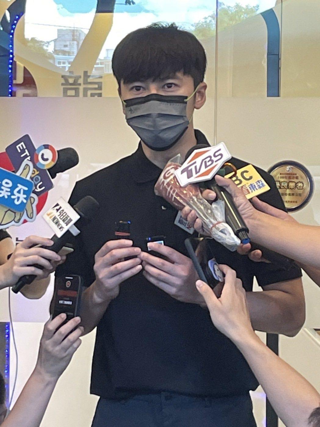 李國毅受到龍劭華許多照顧。記者陳沛林/攝影