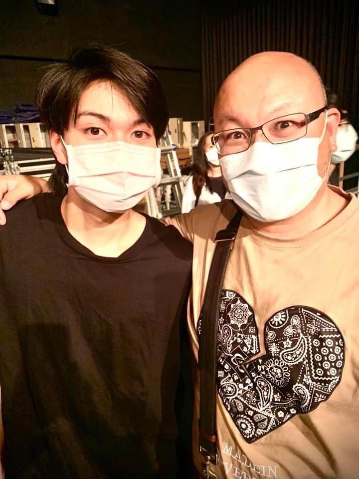 劉子銓(左)和爸爸劉亮佐同校,他剛考上台北海洋科技大學,爸爸則是系主任。圖/摘自...