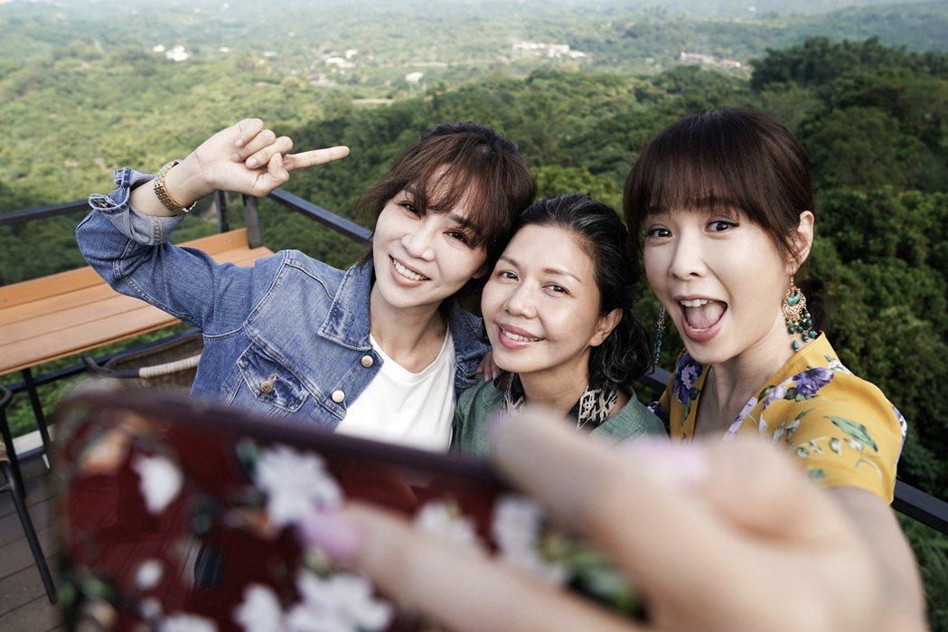 謝盈萱(左起)于子育、天心在「俗女2」互飆演技。圖/華視提供