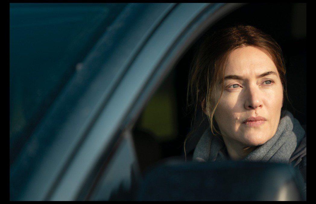 凱特溫絲蕾在「東城奇案」的演技,贏得各方好評。圖/摘自imdb
