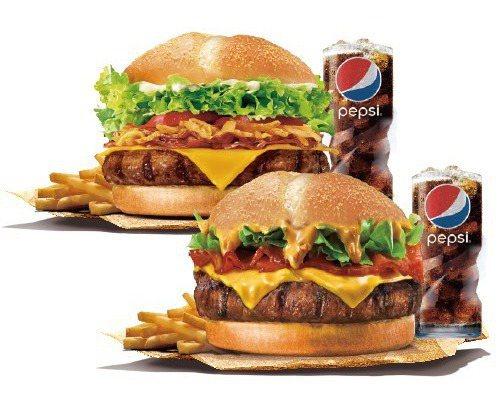 花生安格斯牛肉堡搭配安格斯厚切牛肉堡的「安格斯雙人餐」,限時209元。圖/漢堡王提供