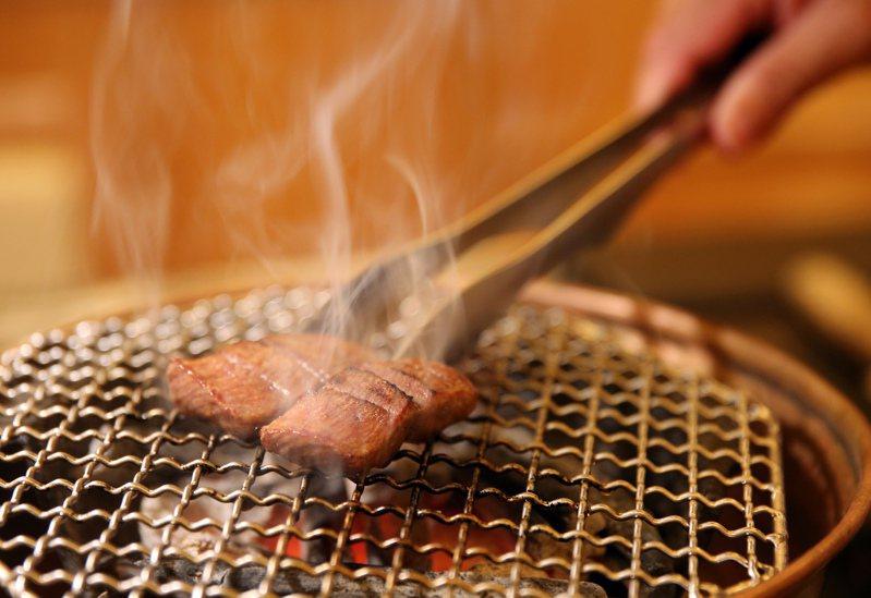 往年每到中秋必烤肉,但今年受到疫情攪局,選擇在家烤肉的不在少數,業者也瞄準這波商機。圖/聯合報系資料照片