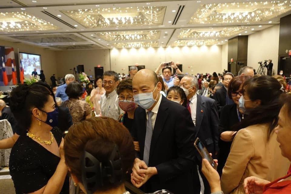 高雄市前市長韓國瑜夫婦出席在美國芝加哥橡溪市舉行的「全美台灣同鄉聯誼會第43屆年...