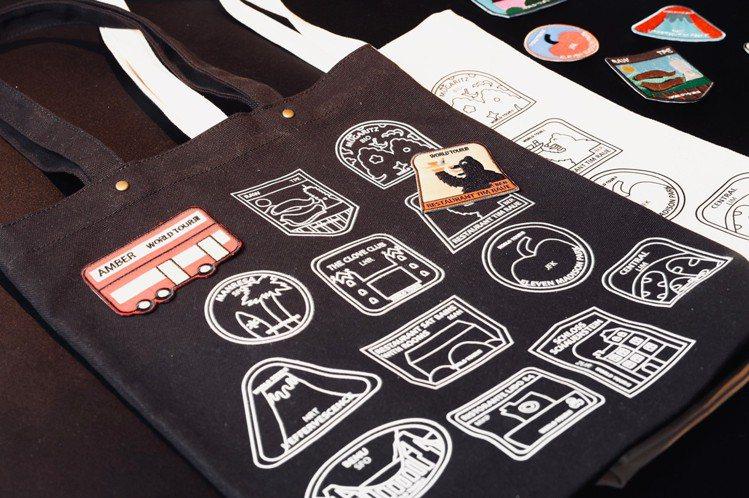 集合城市特色的刺繡臂章,可以貼在帆布袋上,勢必引發粉絲搜集。記者王聰賢/攝影。