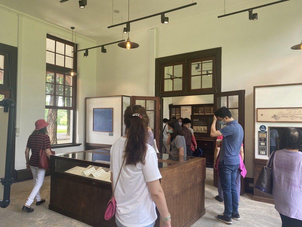 擺脫疫人潮低潮,台南山上花園水道博物館中秋連假遊客暴增,今中午不到已經破千。圖/...
