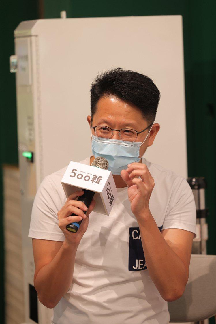 寫樂文化發行人韓嵩齡擔任活動主持人。記者王聰賢、李政龍/攝影