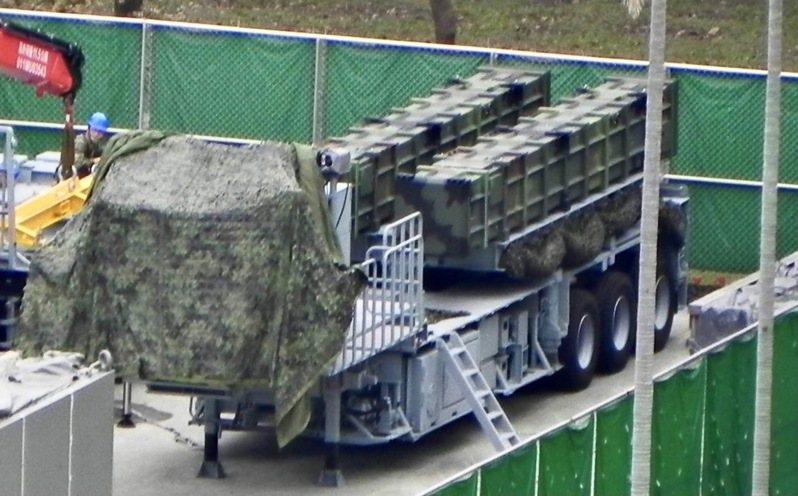 本報透過管道取得空軍「戟隼計畫」生產、正式部署的雄二飛彈E型車影像,在一片對共軍「源頭反制」的建軍聲中,國軍現役「特種飛彈」系統真身首度曝光。圖/讀者授權提供使用