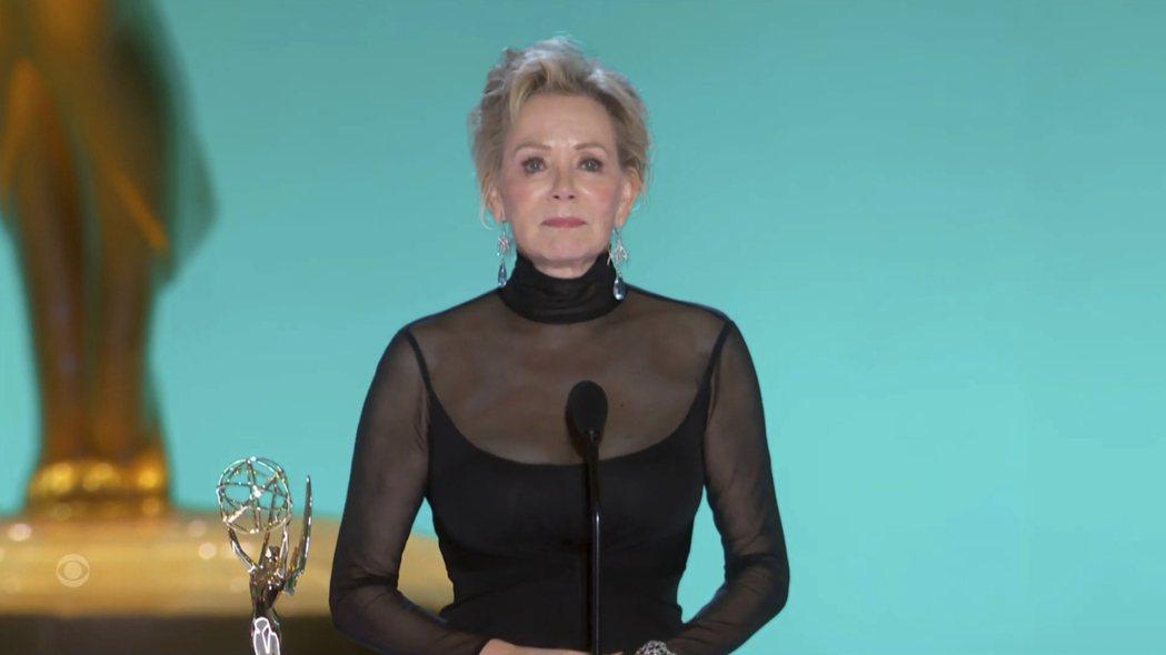 資深女星珍史瑪特獲得艾美獎最佳音樂或喜劇影集女主角。(美聯社)