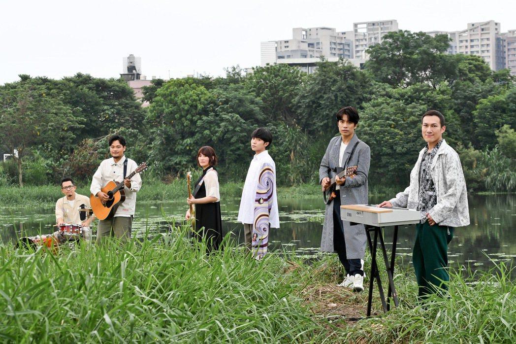 魚丁糸(蘇打綠)推出新專輯「池堂怪談」。圖/環球音樂提供