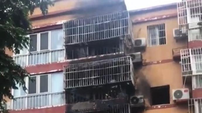 北京一社區電動車電池在室內充電中爆炸起火,釀5死慘劇。(取自澎湃新聞)