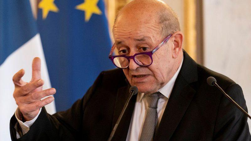 法國外長勒德里安在接受法國電視台訪問時,直批拜登是「不用推特的川普」。路透