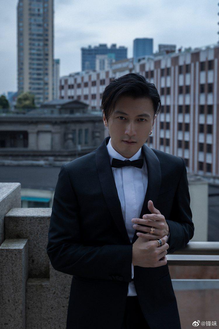 謝霆鋒是「大灣區電影音樂人中秋晚會」的主持人之一。圖/摘自微博
