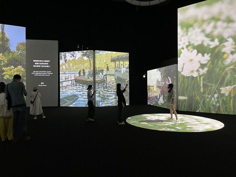「印象莫內-光影體驗展」亞洲首展即起到12月19日在新光三越高雄左營店登場,沈浸式的氛圍有如置身名畫之中。記者王昭月/攝影