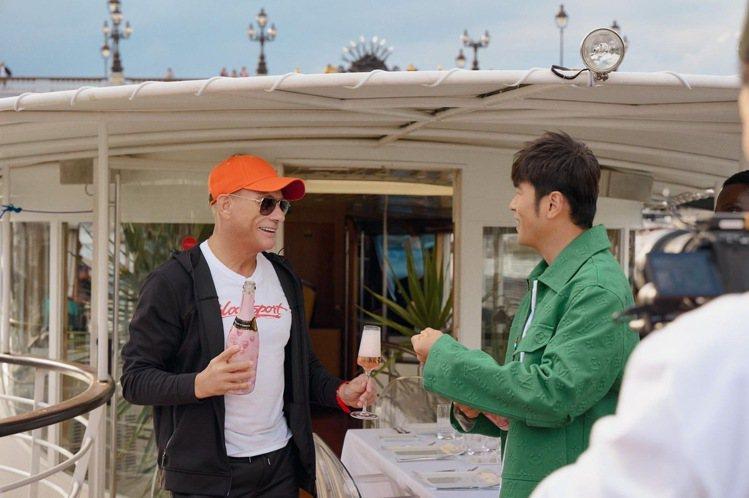 尚克勞德范達美(左)飛赴巴黎與周董合作新節目。圖/摘自IG