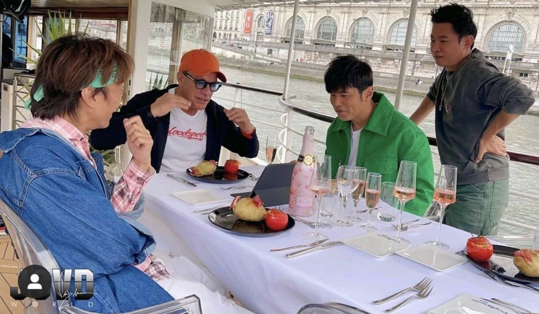 尚克勞德范達尚克勞德范達美(左)飛赴巴黎與周董合作新節目。圖/摘自IG美