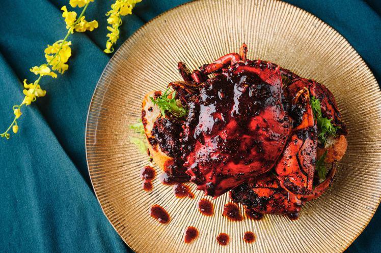 粵式古法黑椒焗秋蟹,每份2,088元。圖/玖尹提供