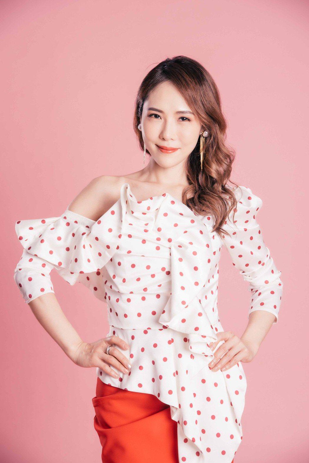 吳申梅的新歌「千里夢相思」成為「新台灣奇案」片頭曲。圖/音圓唱片提供