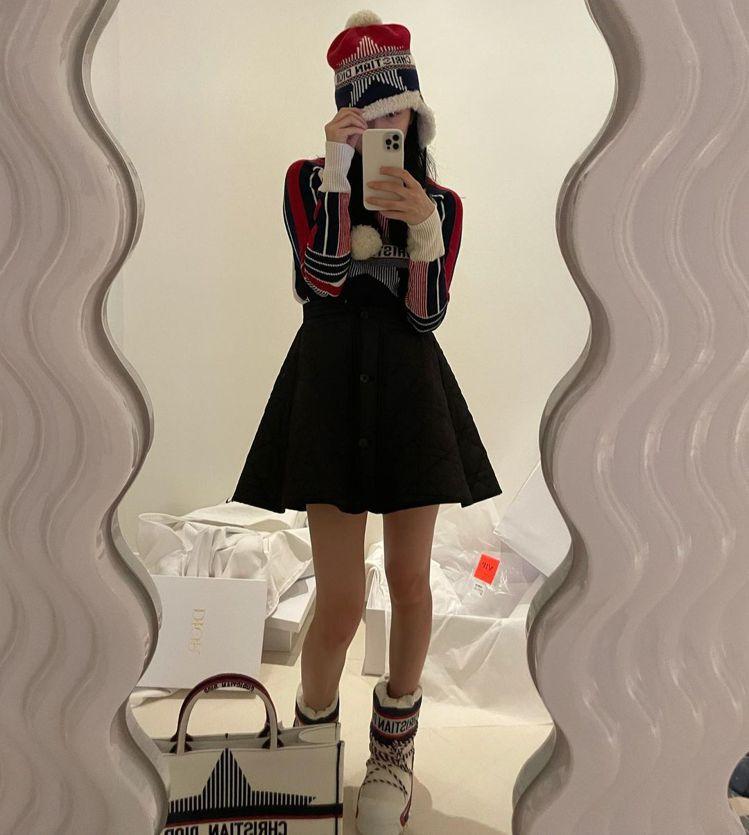 秀智的筷子腿,讓上百則網友留言一面倒問她為何又變瘦了。圖/取自IG