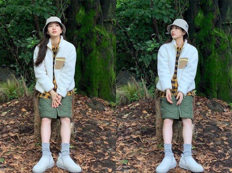 秀智身穿韓國運動品牌K2也露出鉛筆腿,簡直林中仙子。圖/取自IG
