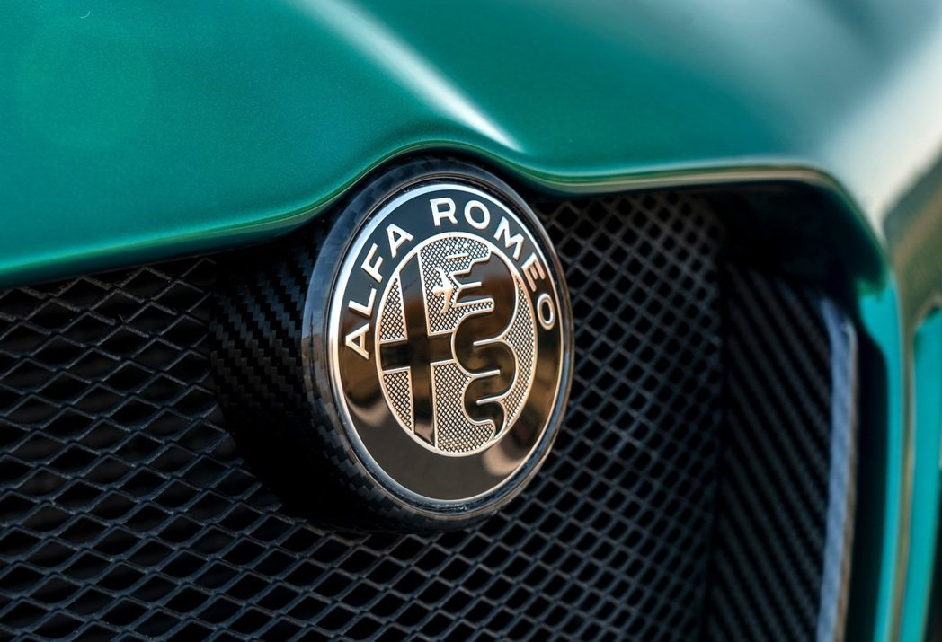 Alfa Romeo執行長表示:我可不是在賣一台有車殼的iPad,我在賣的是Al...