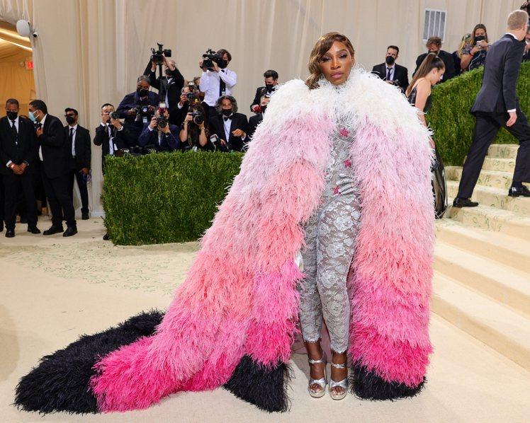 運動員瑟琳娜威廉斯身穿GUCCI禮服,氣場超強大。圖/GUCCI提供