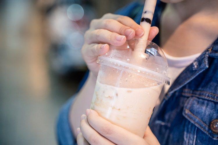 選奶茶類或冰沙的人,平常可能是嗜甜的小螞蟻,要注意體脂肪問題,可能會有看起來不胖...
