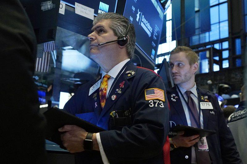摩根大通的策略師說,雖然美股20大跌,但他們對基本面的觀點保持不變,認為這波下跌是逢低買入的機會。美聯社