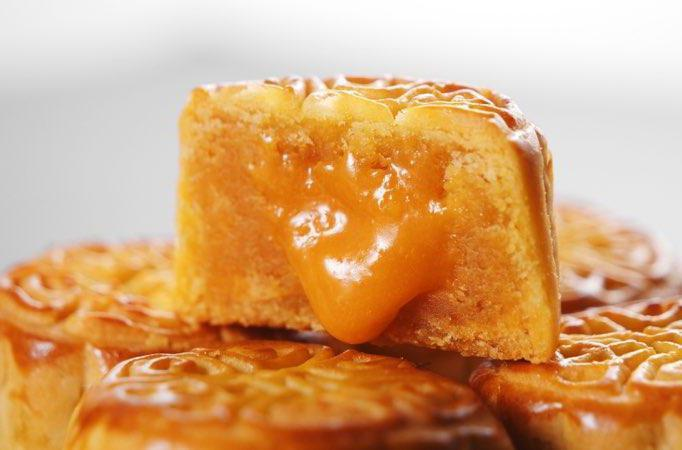 營養師指出,一個月餅約一餐所需熱量,提醒民眾適當食用。月餅示意圖。本報資料照片