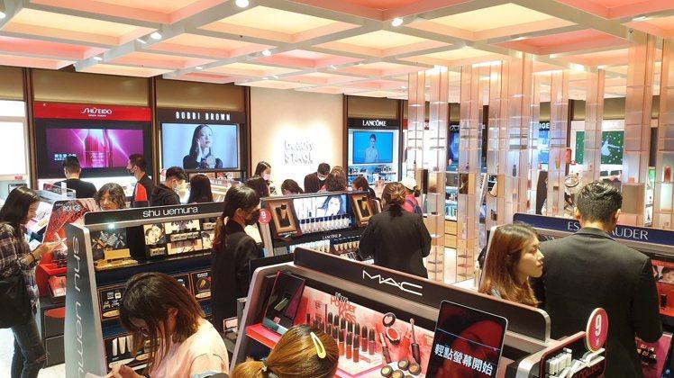 新光三越旗下美妝複合品牌beautySTAGE,10月進駐中和環球購物中心,為新...