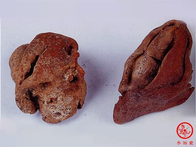 保存在新疆博物館的唐朝的水餃,長6公分、寬2.3公分,餃子形狀如月牙,皮兒很薄,...