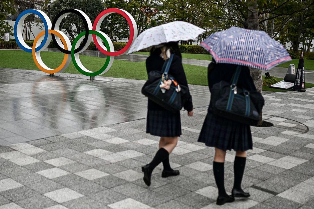 經濟合作與發展組織(OECD)調查顯示,在所有成員國中,理科領域的女生比率以日本...