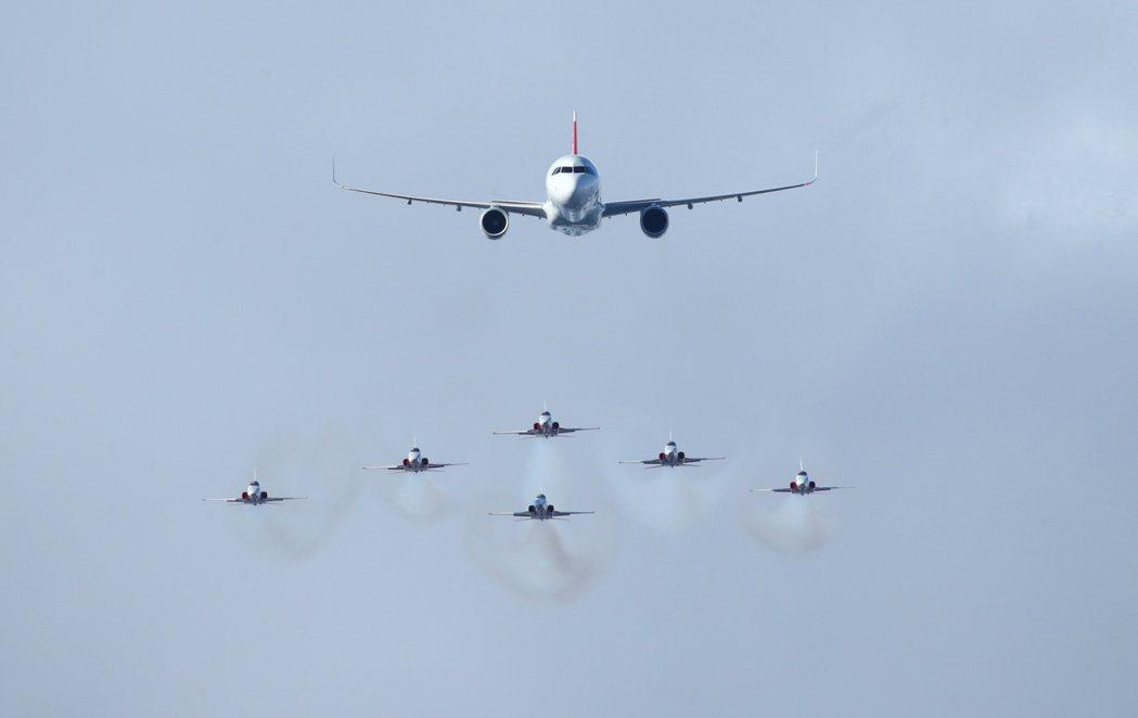 全球航空業恐要面臨機師短缺。  路透