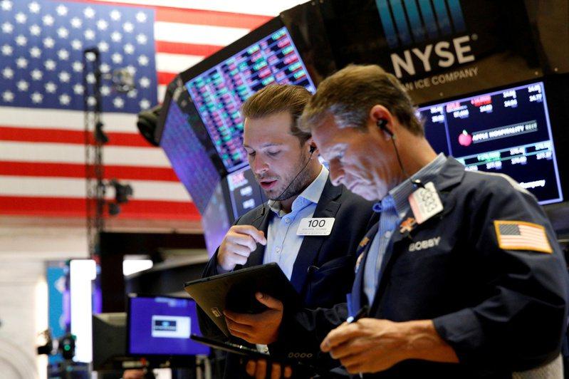 美股期指21日回穩,道瓊期指盤中上漲350點。 路透