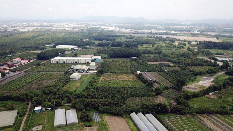 高雄中崎有機農業專區被列入橋頭科學園區預定地,農場變科學園區再度上演。記者劉學聖/攝影