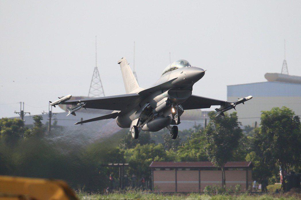 圖為F-16V戰機。 圖/聯合報系資料照片