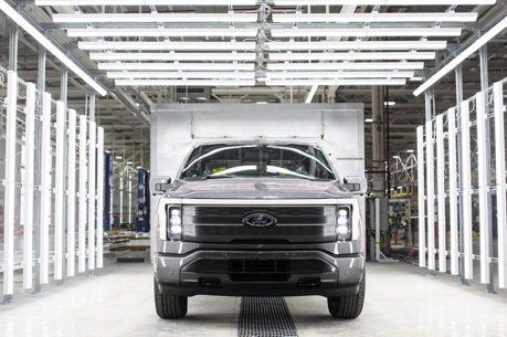 訂單超過15萬張 全新純電皮卡Ford F-150 Lightning正式投產!