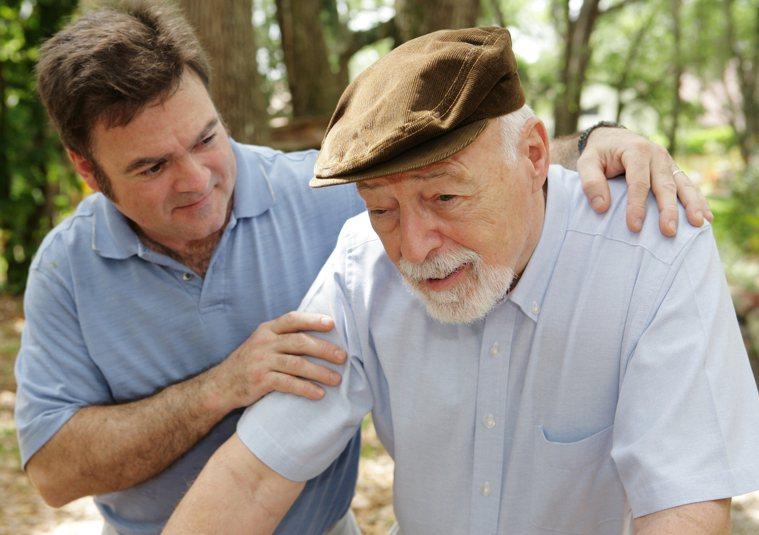 器官捐贈移植協調師分享她本身捐贈自己的肝臟給父親的感人故事。圖/123RF