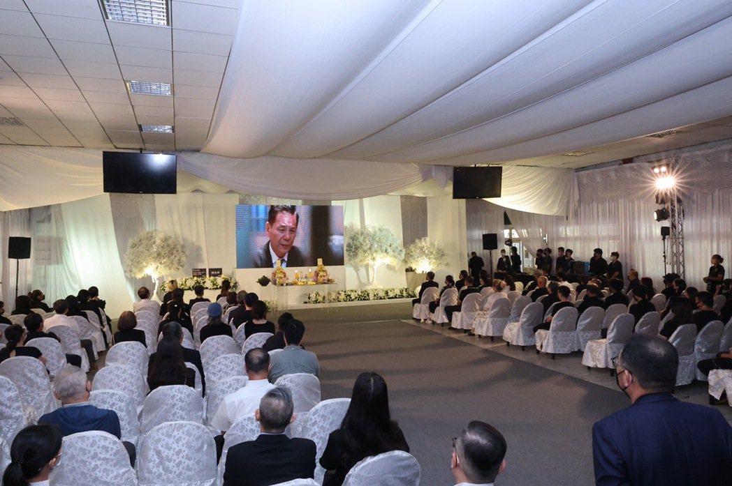 視帝龍劭華22日下午一點40分於台北第一殯儀舘舉行公祭。記者王聰賢/攝影