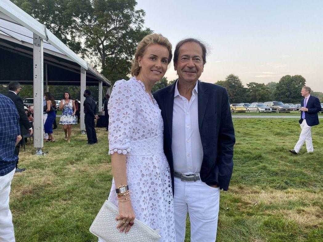 身價48億美元明星操盤手鮑森與妻子正向法院申請離婚。彭博資訊