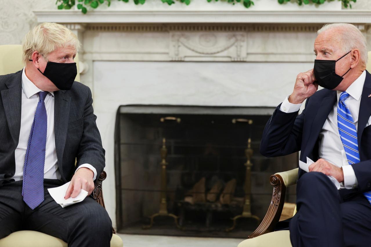 英相強生展現狗腿的一面 搭拜登最愛的火車抵白宮訪問 - UDN 聯合新聞網