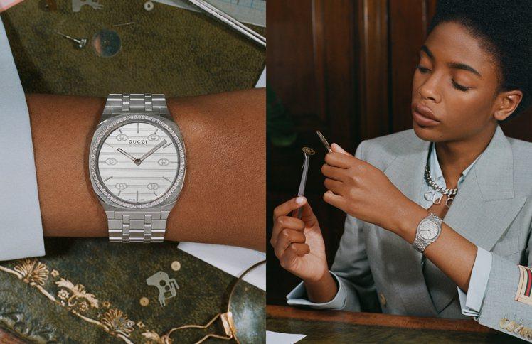 模特兒手上或拿著機芯零件,或戴上手表定格欣賞,差別在於男女模特兒紛紛換上了時裝與...