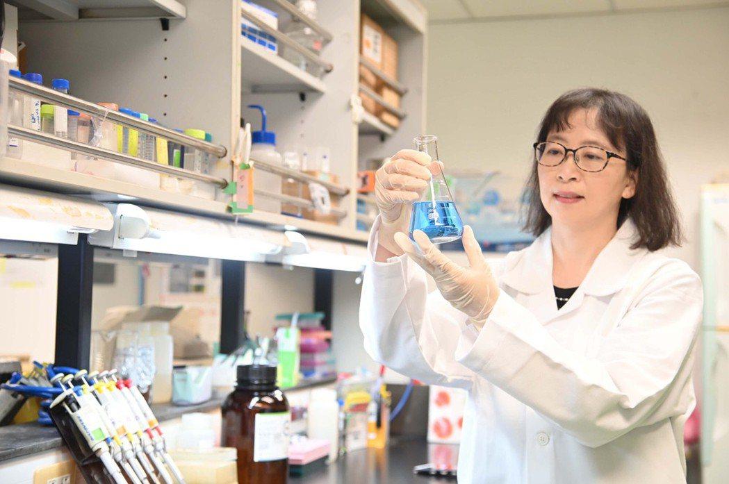 清華醫科系主任陳令儀期待在學士後醫學系看到更多跨領域的面孔。清大/提供